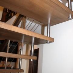 Лестница на больцах и тетиве