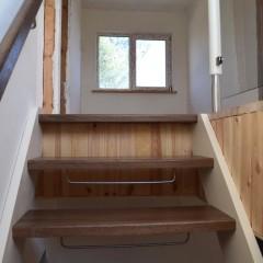 Лестница на тетивах с забежными ступенями