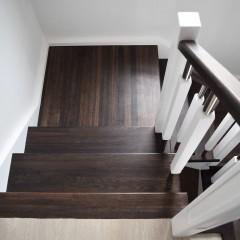Лестница с двумя поворотными площадками