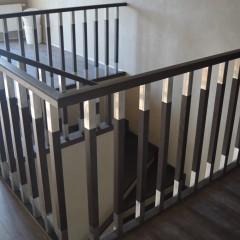 Отделка бетонной лестницы массивом бука