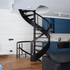 Винтовая лестница на гнутой тетиве