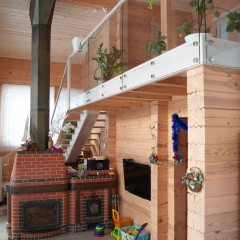 Лестница из ясеня на центральном косоуре