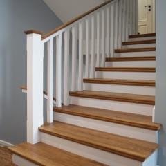 Отделка бетонной лестницы массивом дуба; тонировка маслом
